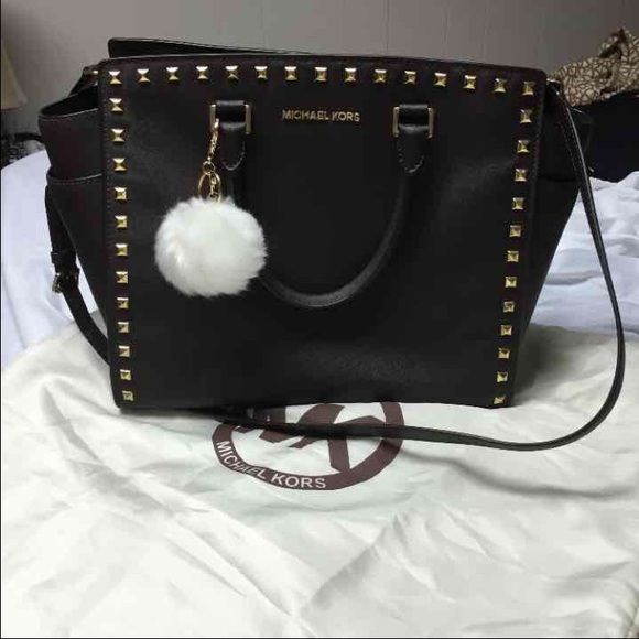 d0fa20328dfd Michael Kors Large Dark brown Selma studded Large Dark brown Selma Michael  Kors studded satchel used a few scratches on the gold hardware barely  vusie
