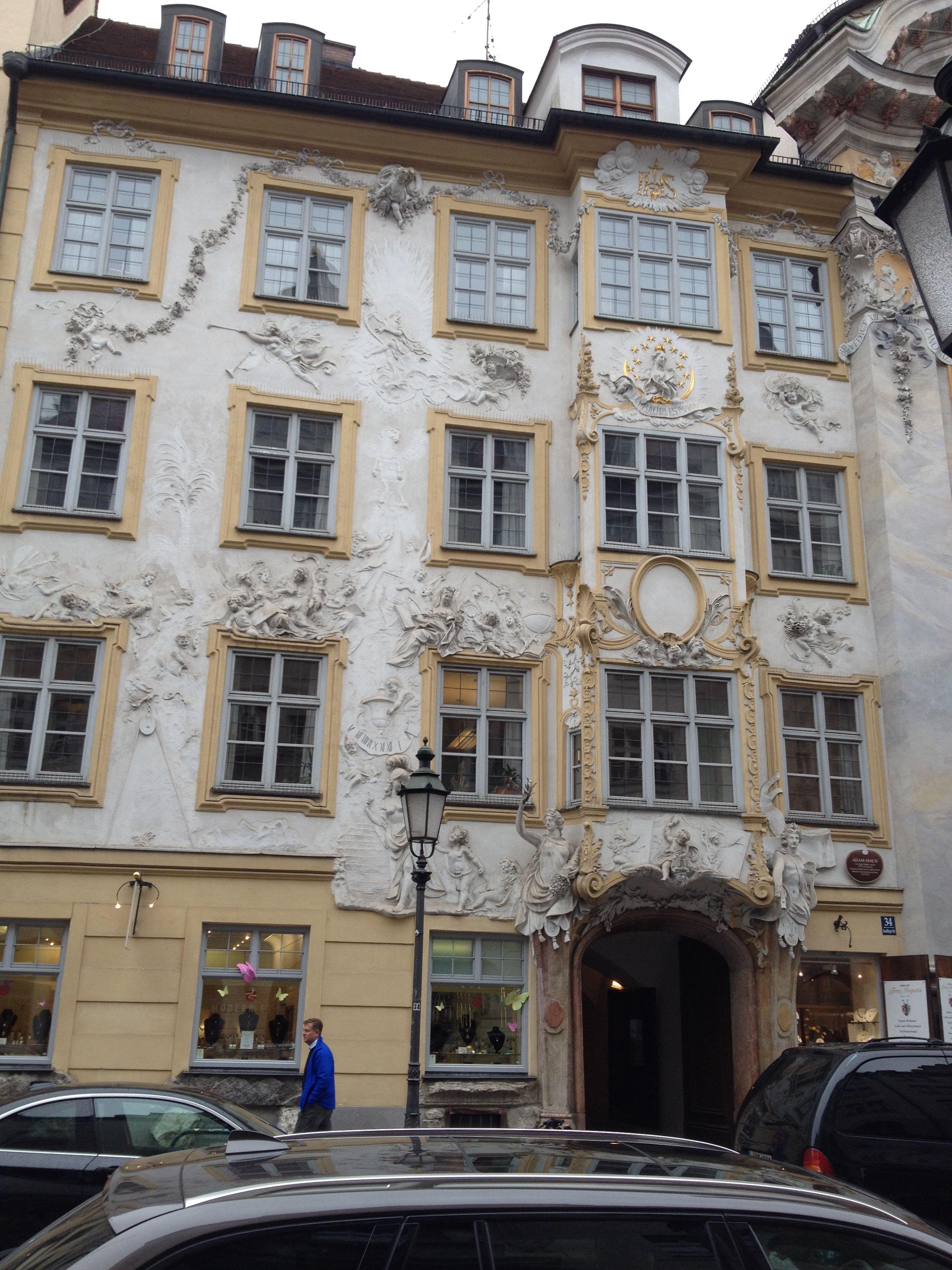 Munich square - 04/18/2016