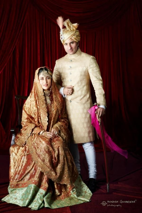 Official Wedding Photo Of Saif Ali Khan And Kareena Kapoor Khan Kareena Kapoor Wedding Bollywood Bridal Celebrity Bride