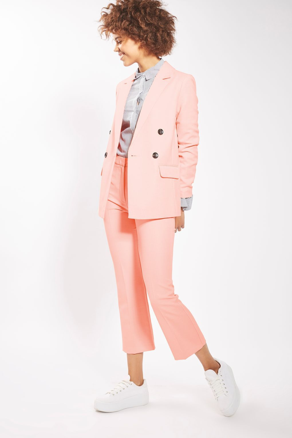 30 Gorgeous Wedding Guest Outfits   Alta costura y Costura
