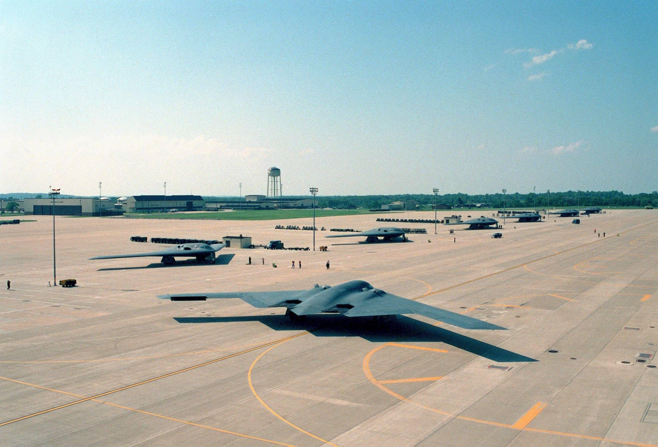 Seven U.S. Air Force B2 Spirit stealth bombers