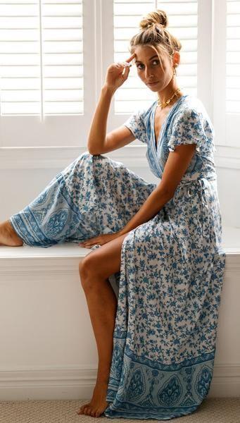 Graceful Blue Floral Sun Dress