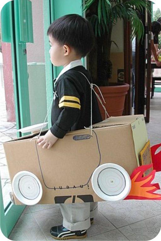 Carro De Brinquedo Feito Com Reciclagem De Caixa De Papelao Fofo