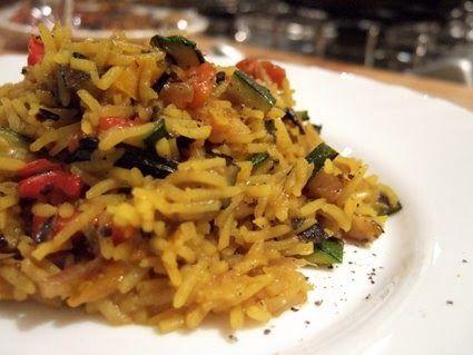 Quando preparo questo riso la cucina si riempie di profumi d'oriente che stuzzicano l'appetito. Eppure, nonostante appaghi piacevolmente il ...