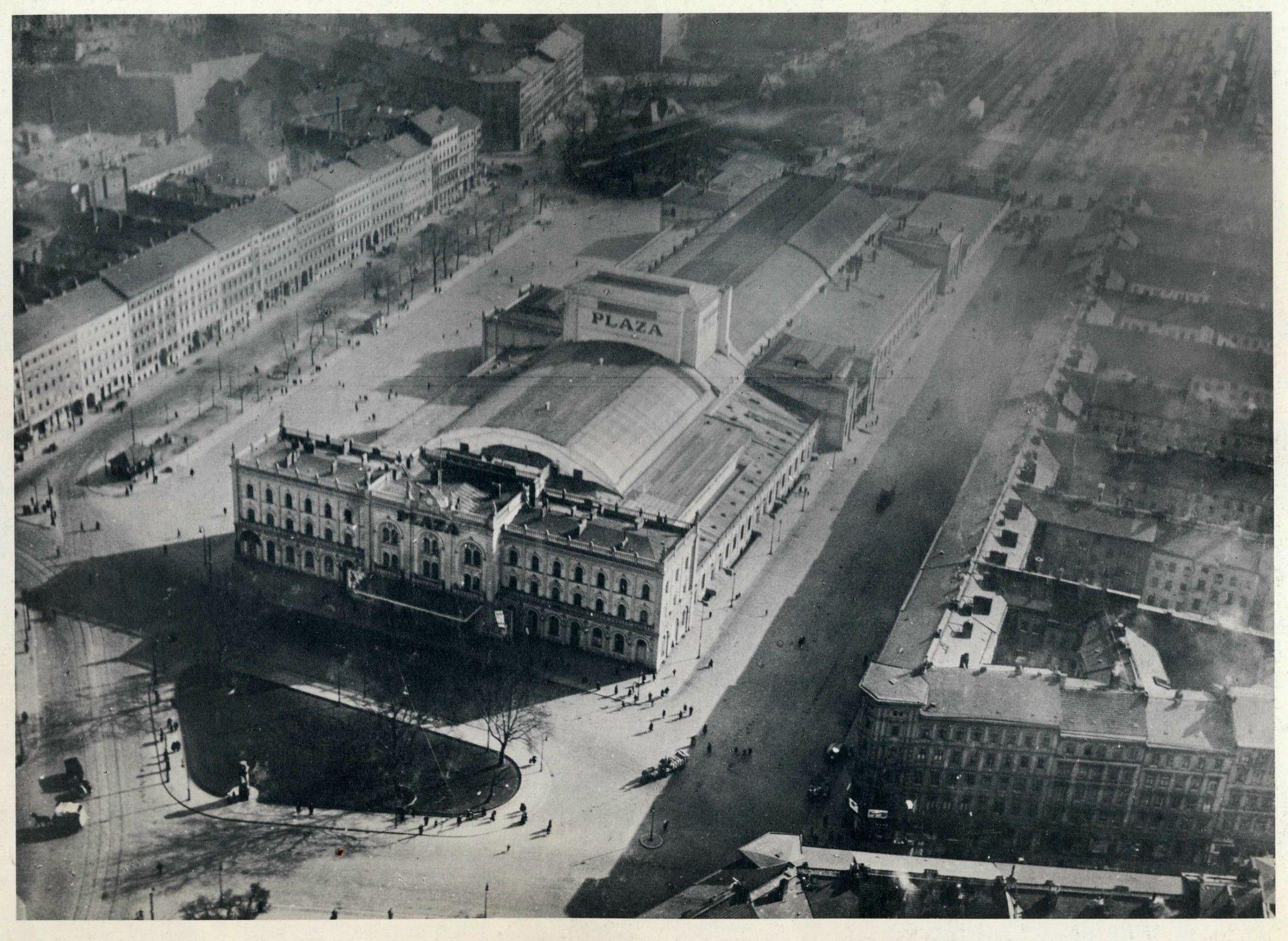 Historische Luftaufnahmen Berlin Kustrinner Platz Friedrichshain 1930 Berlin Photos Berlin Travel West Berlin