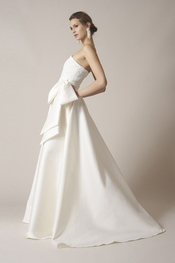 Sachin & Babi strapless wedding dress spring 2017   itakeyou.co.uk #wedding #weddingdress #weddingdresses #weddinggown #feminine #weddinggowns #bridalgown #silkweddingdress #engaged #ido #bride