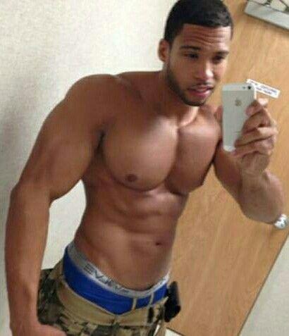 Sexy schwarze Männer mit Muskeln