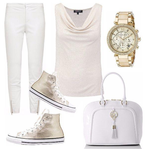 Pantalone bianco skinny. Top con collo sborsato in un tessuto lavorazione  lamè leggerissima. Sneakers alta dorata 185df5942dc