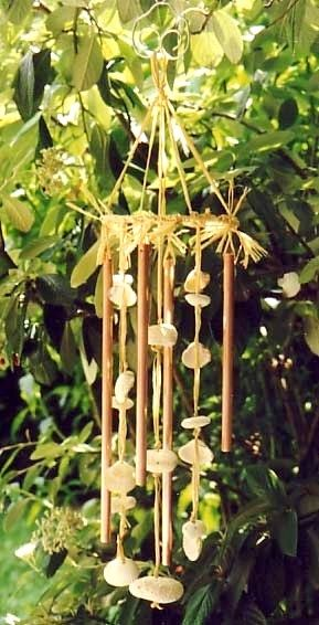 diy carillon vent avec des coquillages et de vieux tubes en cuivre carillon. Black Bedroom Furniture Sets. Home Design Ideas