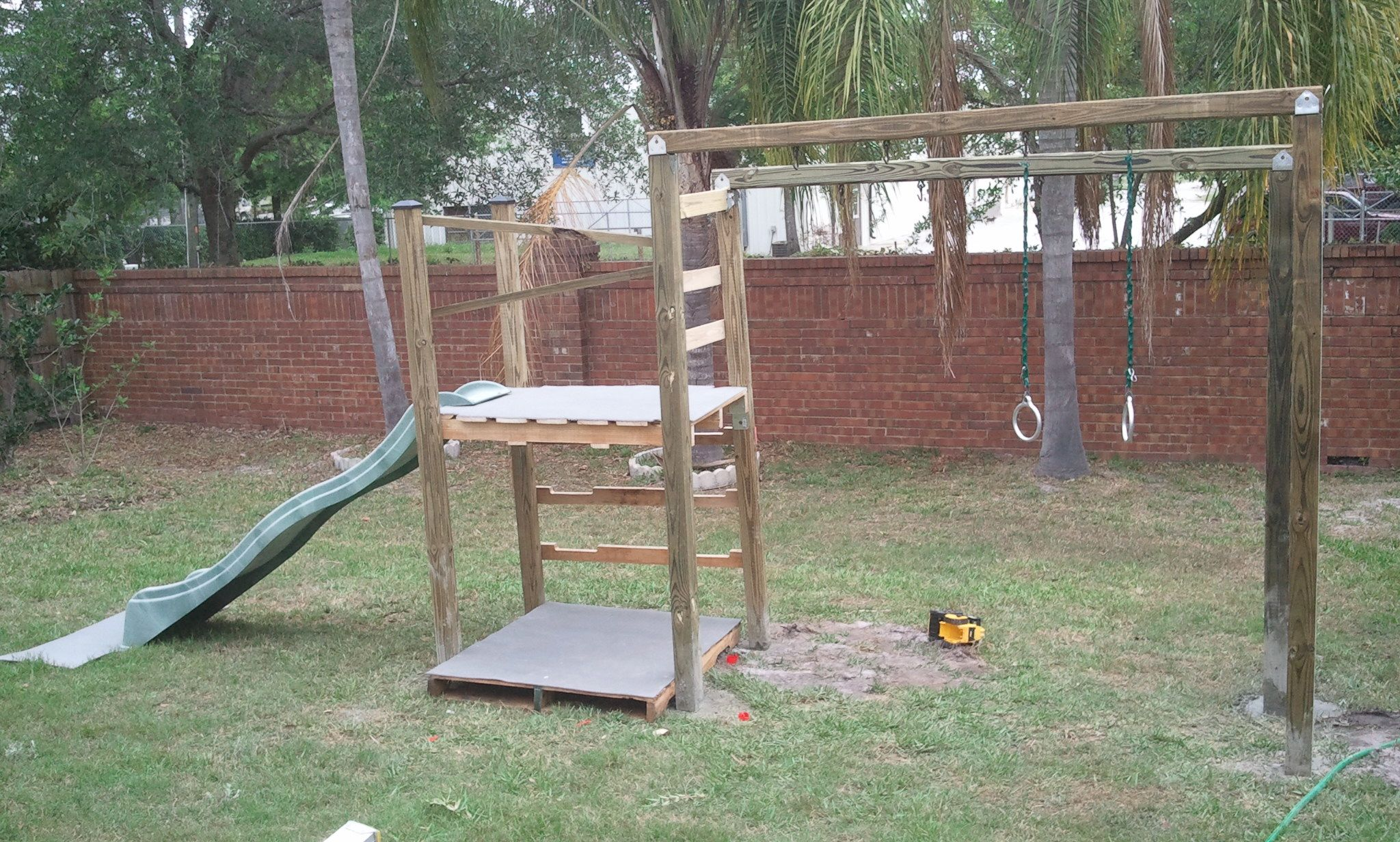 1001 pallets pallet kids playground here is a home made playground - Image Result For Pallet Playground