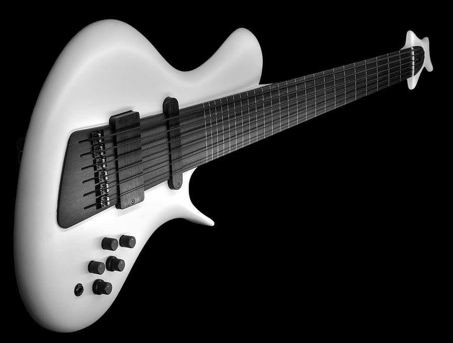 Jens Ritter R8 Singlecut Concept 6 String Fretless Bass Like How