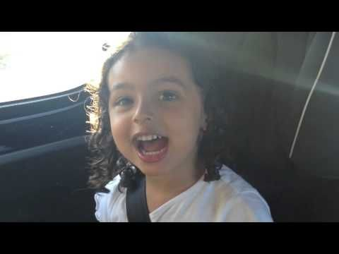 Júlia, 3 anos - 'Sporting, Tu Nunca Vais Acabar' - liiiindo!