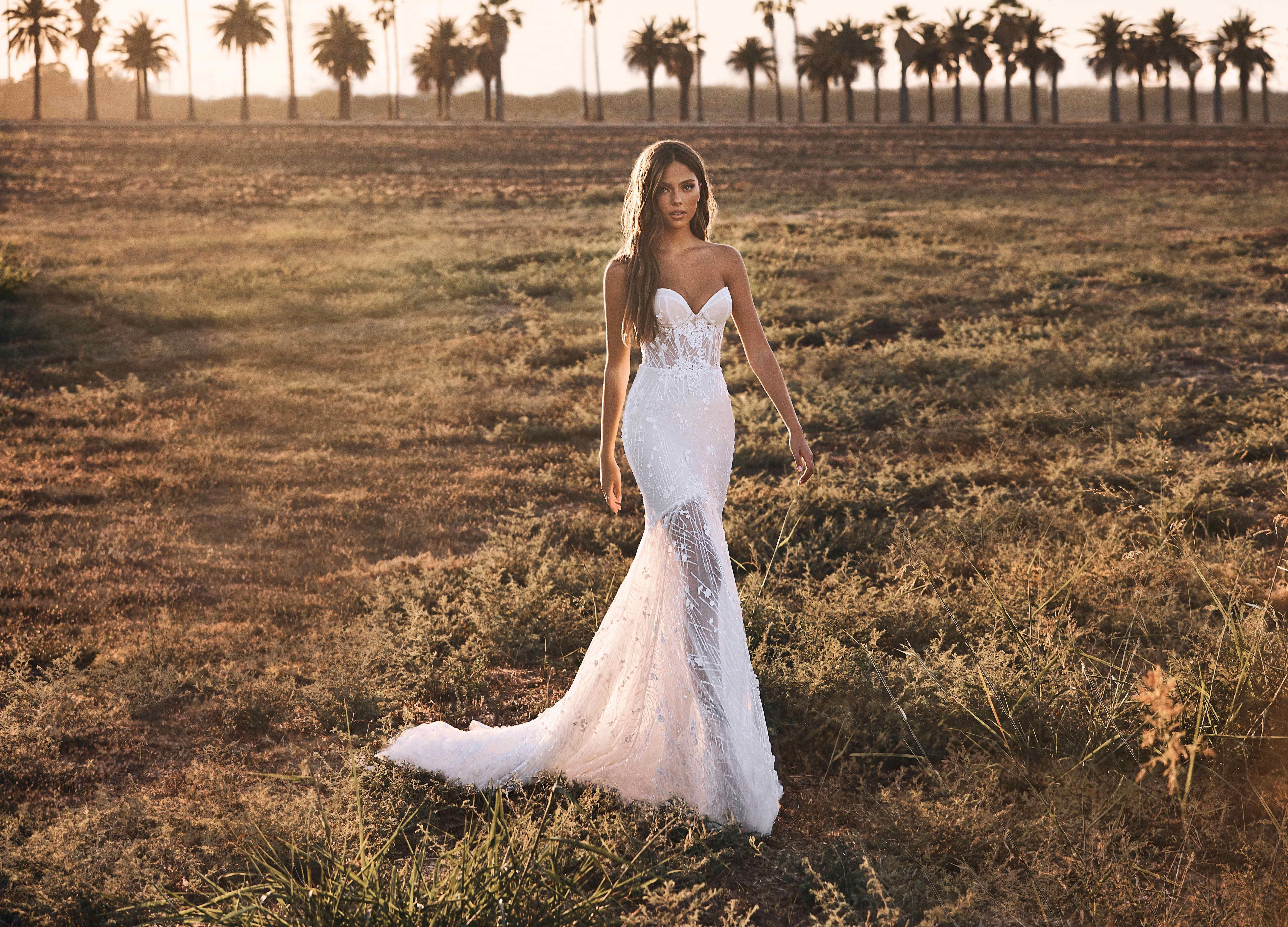 Pin On Wedding Dresses 2021 [ 4999 x 6941 Pixel ]