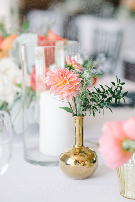 A gorgeous centerpiece for a blush summer wedding | Kennedy Blue ...
