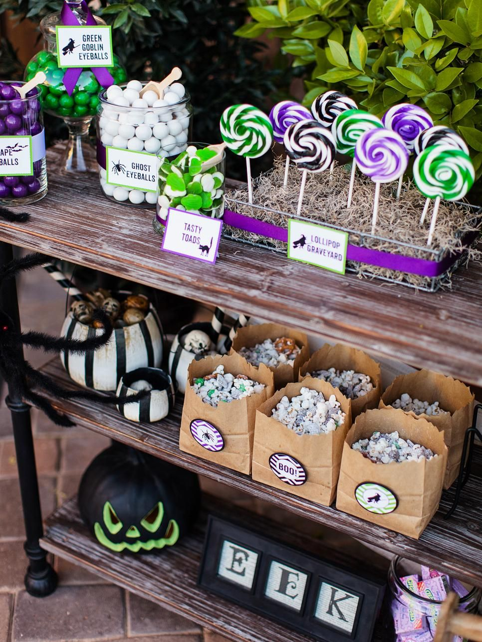 Delight trickortreaters of all ages with an outdoor