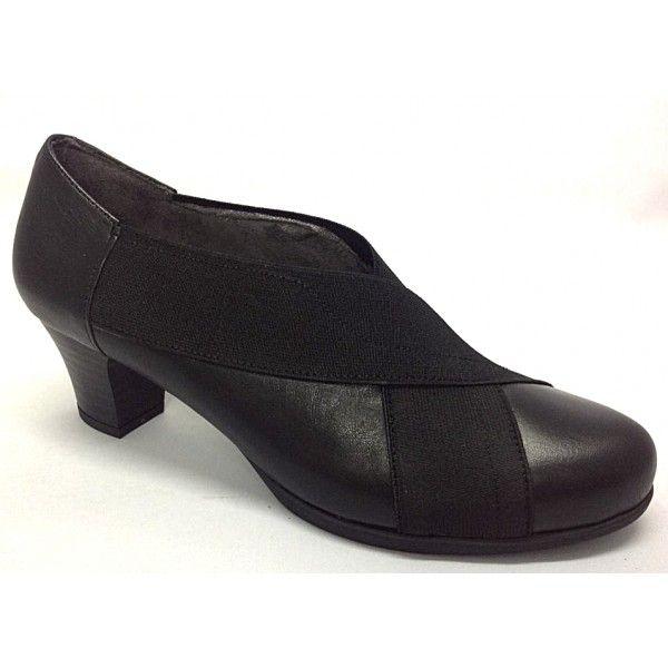 3b5a0238 Zapato de medio tacón súper cómodo.Piso de goma antideslizante.Gracias a  los elásticos