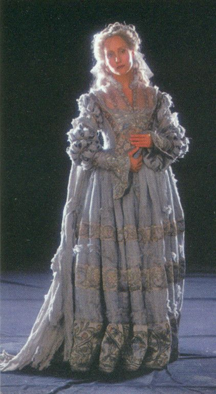 The Gray Lady Ghost Of Ravenclaw Tower As She Appears In The First Two Harry Potter Films Harry Potter Outfits Harry Potter Costume Hp Harry Potter