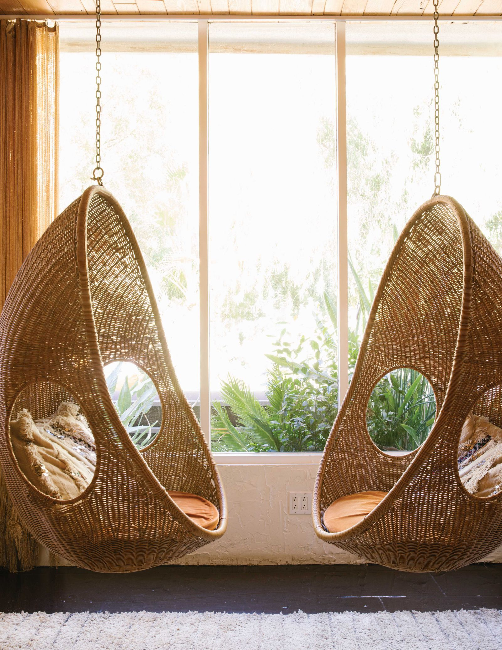 Here S How To Hang An Indoor Swing Hanging Chair Indoor Indoor Swing Hanging Swing Chair