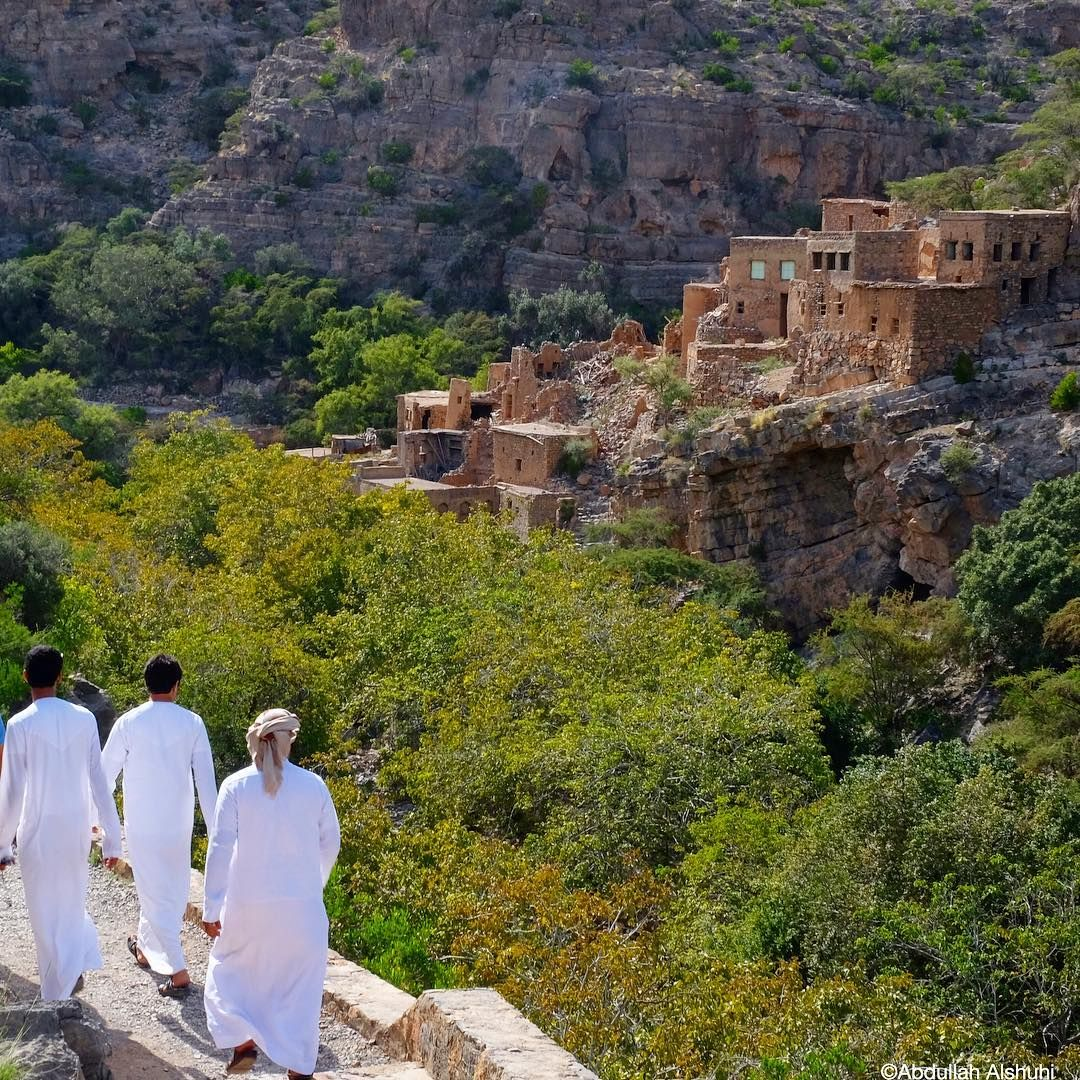 Situated Within The Mountains Of Jebel Akhdar Wadi Bani Habib Is Home To Many Fruit Orchards Abandoned Villages Natural Landmarks Mount Rushmore Landmarks