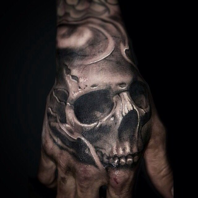 Small Skull Tattoo On Hand: Wouldn't Get A Skull But That Is An Amazing Tattoo!! The