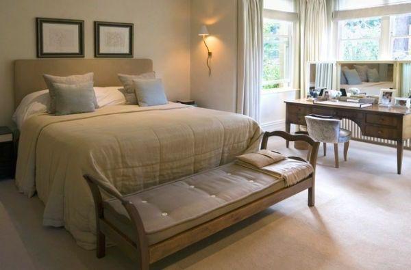 Elegante Schlafzimmer mit einem einfachen Sitzbank | Schlafzimmer ...