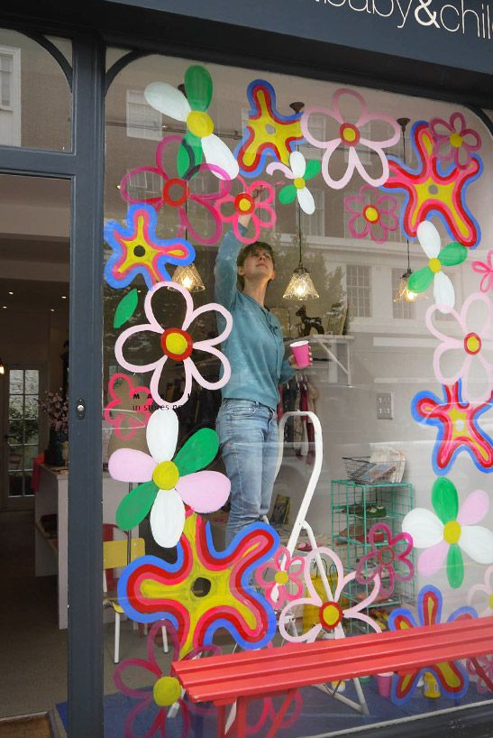 To celebrate the 100th anniversary of the famous Chelsea Flower Show our amazing VM Laura has created some flower power windows!