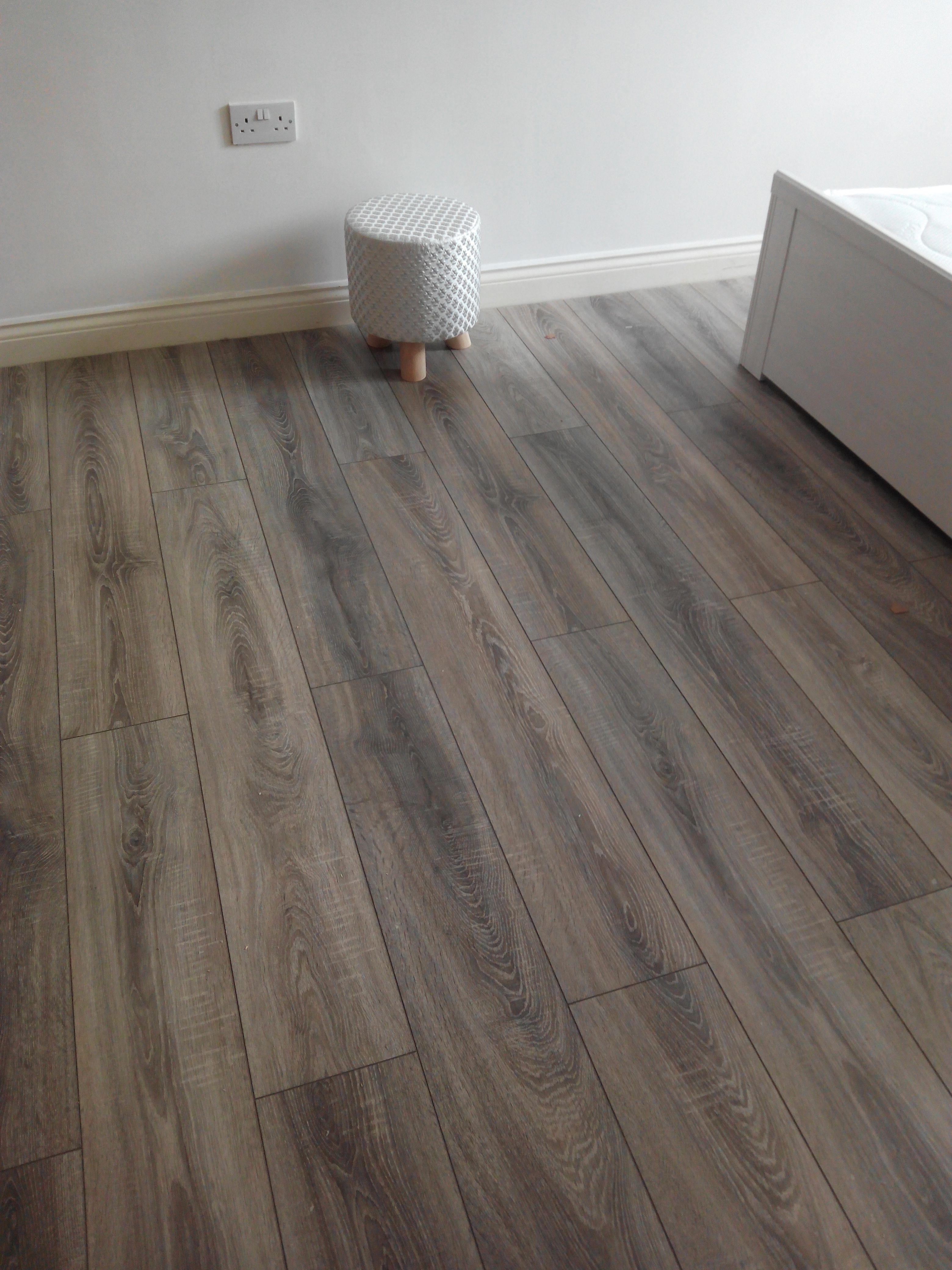 Sydney 7mm Laminate Flooring Grey Oak Grey laminate