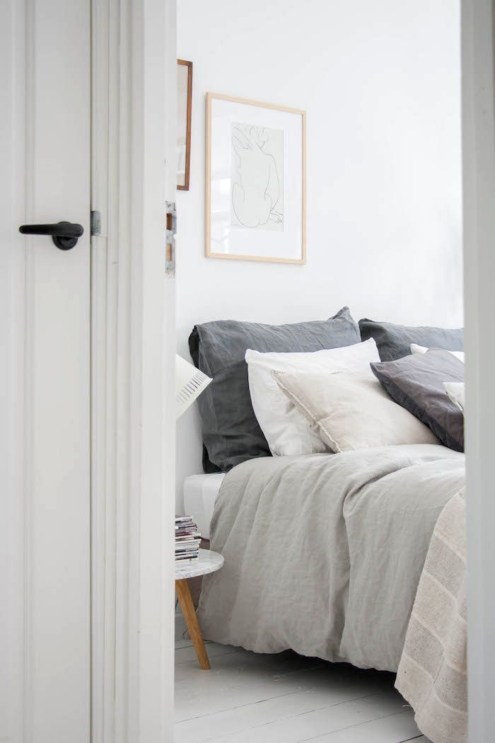 A beautifully tranquil looking bedroom, painted white and styled in neutrals with a focus on textures … lovely! By Holly Marder @ Avenue Lifestyle. x debra follow on bloglovin'