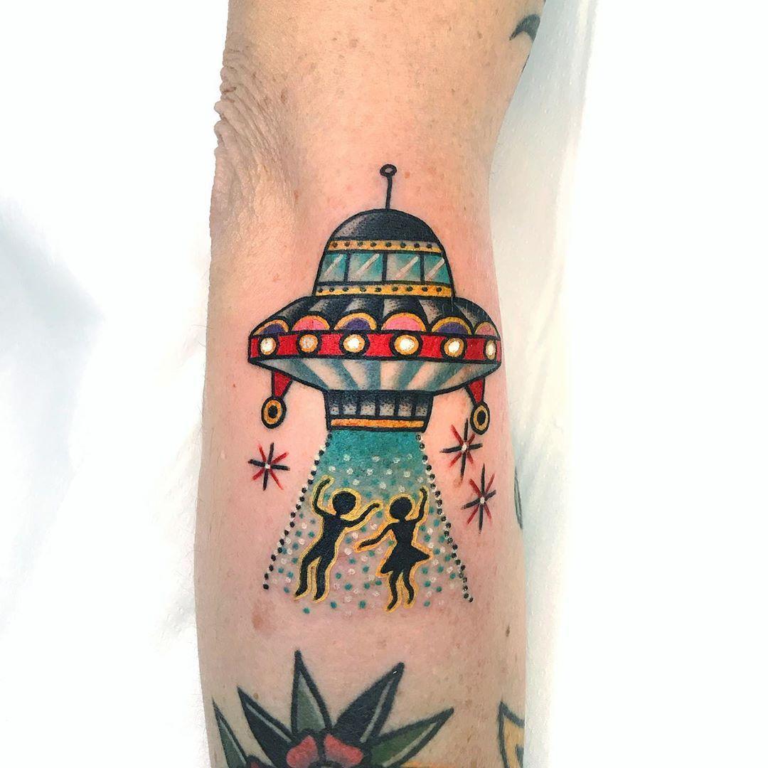 London Sangbleutattoolondon Dalston Hackney Traditionaltattoo Tattoo Eastlondon Tattoos Body Tattoos Traditional Tattoo