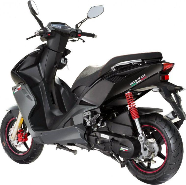 neco gpx 50 le scooter chinois qui r vait d 39 imola clairement cycle et les tendances. Black Bedroom Furniture Sets. Home Design Ideas