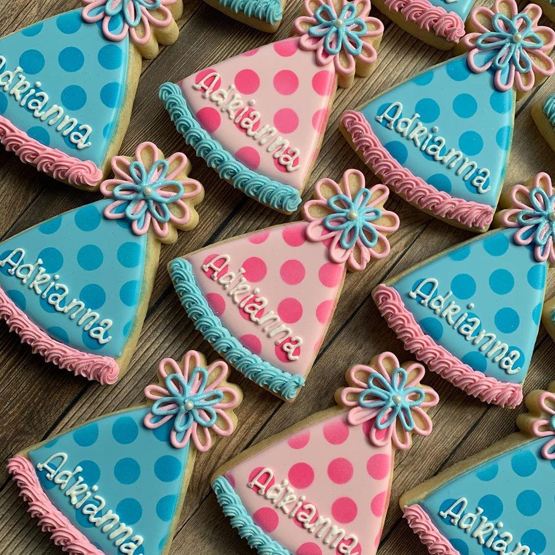 "🌸Patticakes Cookies🌸 on Instagram: ""Happy Birthday Adrianna! 🎉🎈🎂🎀💗💙 . Thank you Lisa! 😊 . . #birthdaycookies #partyhatcookies #decoratedsugarcookies #royalicing…"""