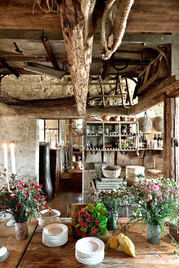 Vita sul fiume ospiti nella locanda rosa rosae antico for Arredamento rustico italiano
