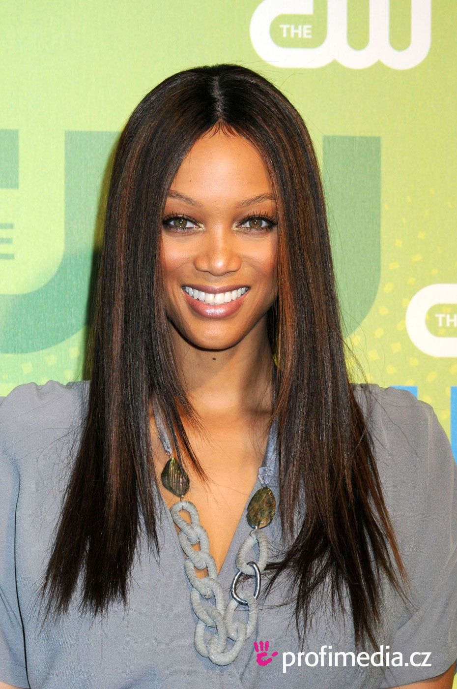 Tyra Banks Hairstyles Simple Hairstyle Ideas For Women And Man Easy Hairstyles Hair Styles Long Hair Styles