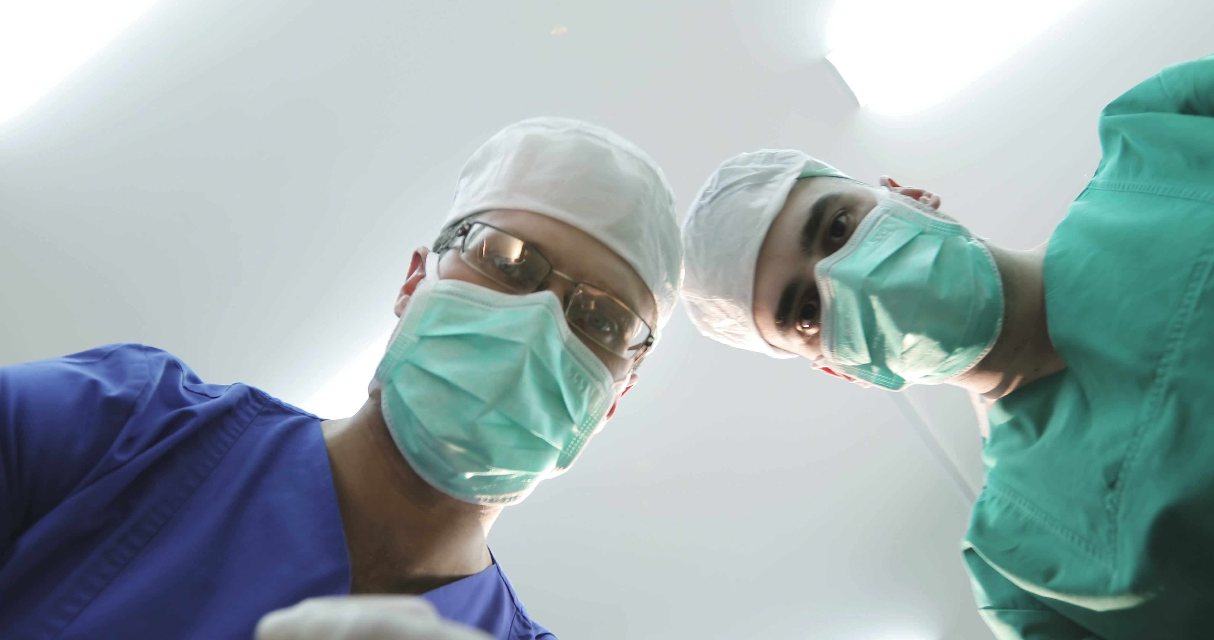 Images Of Doctors In Scrubs