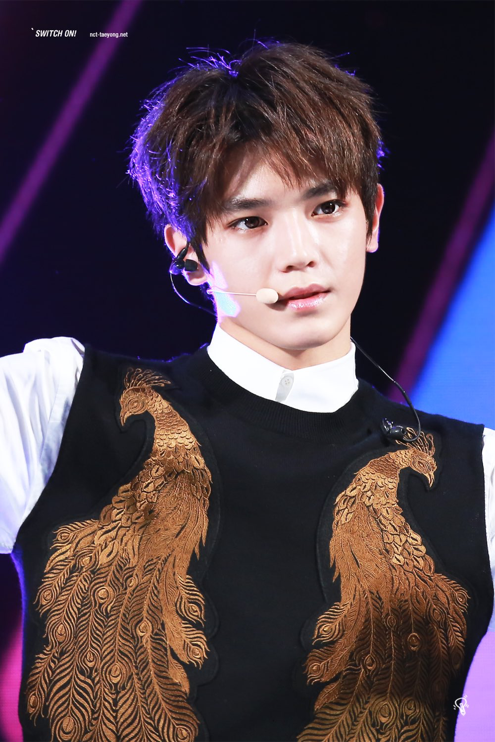 Tries To Look Intimidating But Is Actually A Cutie Inside Pose Nct Taeyong Taeyong Nct