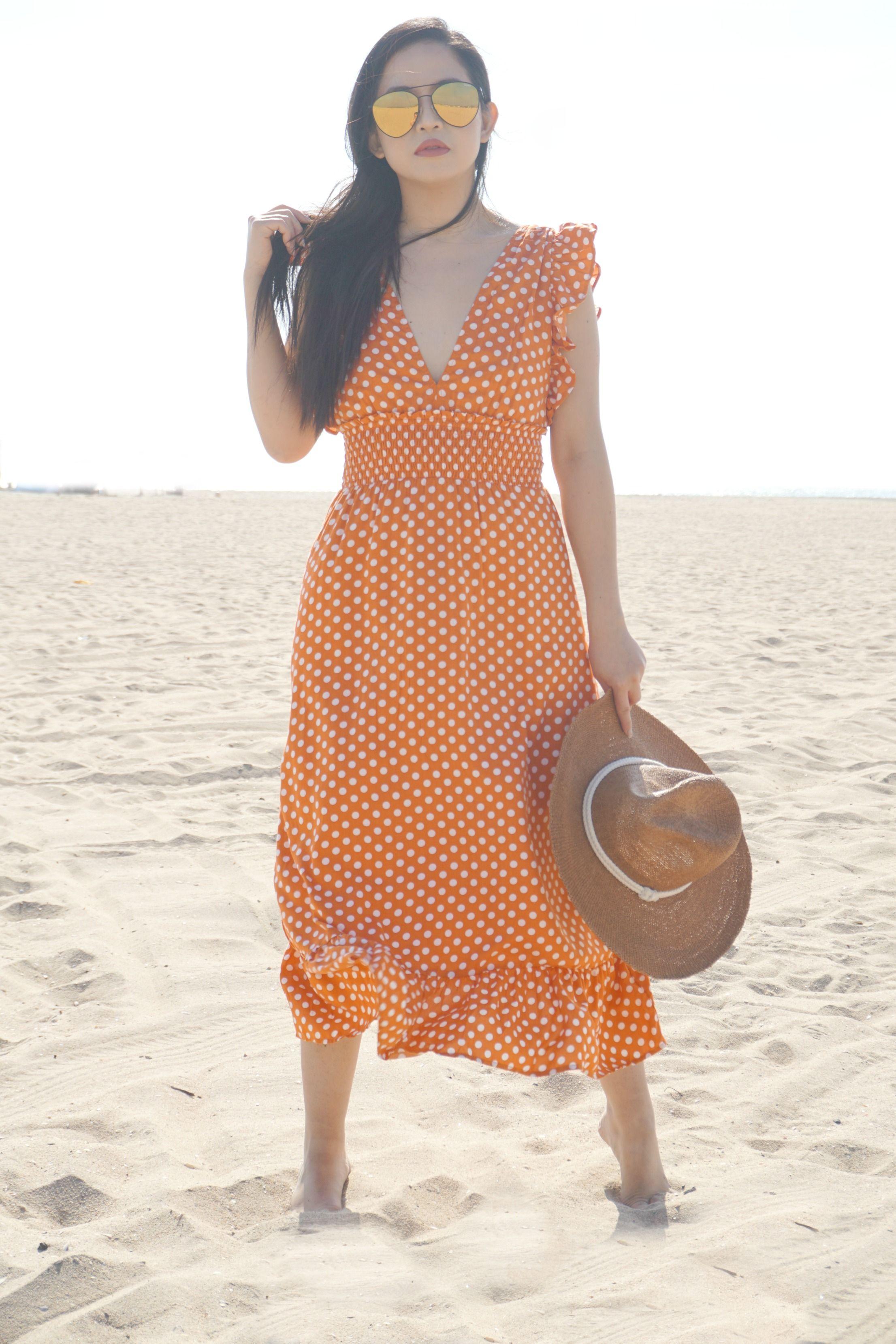 The Perfect Beach Picnic Dress Of Course It Has Polka Dots Polkadots Polkadot Classicsummerstyle Vintageglam Th Summer Fashion Picnic Dress Polka Dots [ 3318 x 2212 Pixel ]