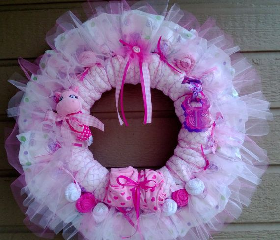 Things To Do With Diapers For A Baby Shower: Diaper Wreath