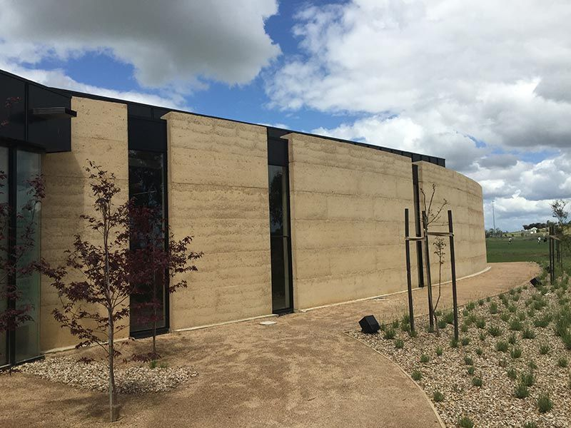 Amazing Rammed Earth Houses: Olnee Constructionsu0027 Image Gallery | Olnee Australia