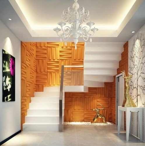 pared de escalera revestida con paneles decorativos