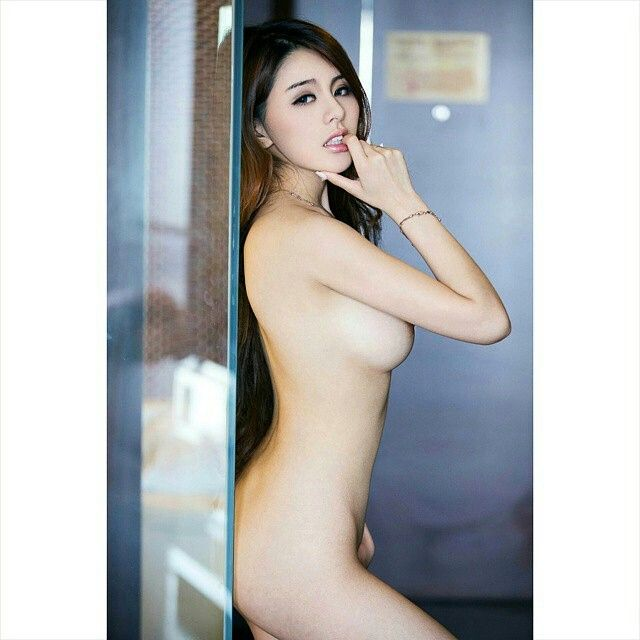 naked nurse japanese girl