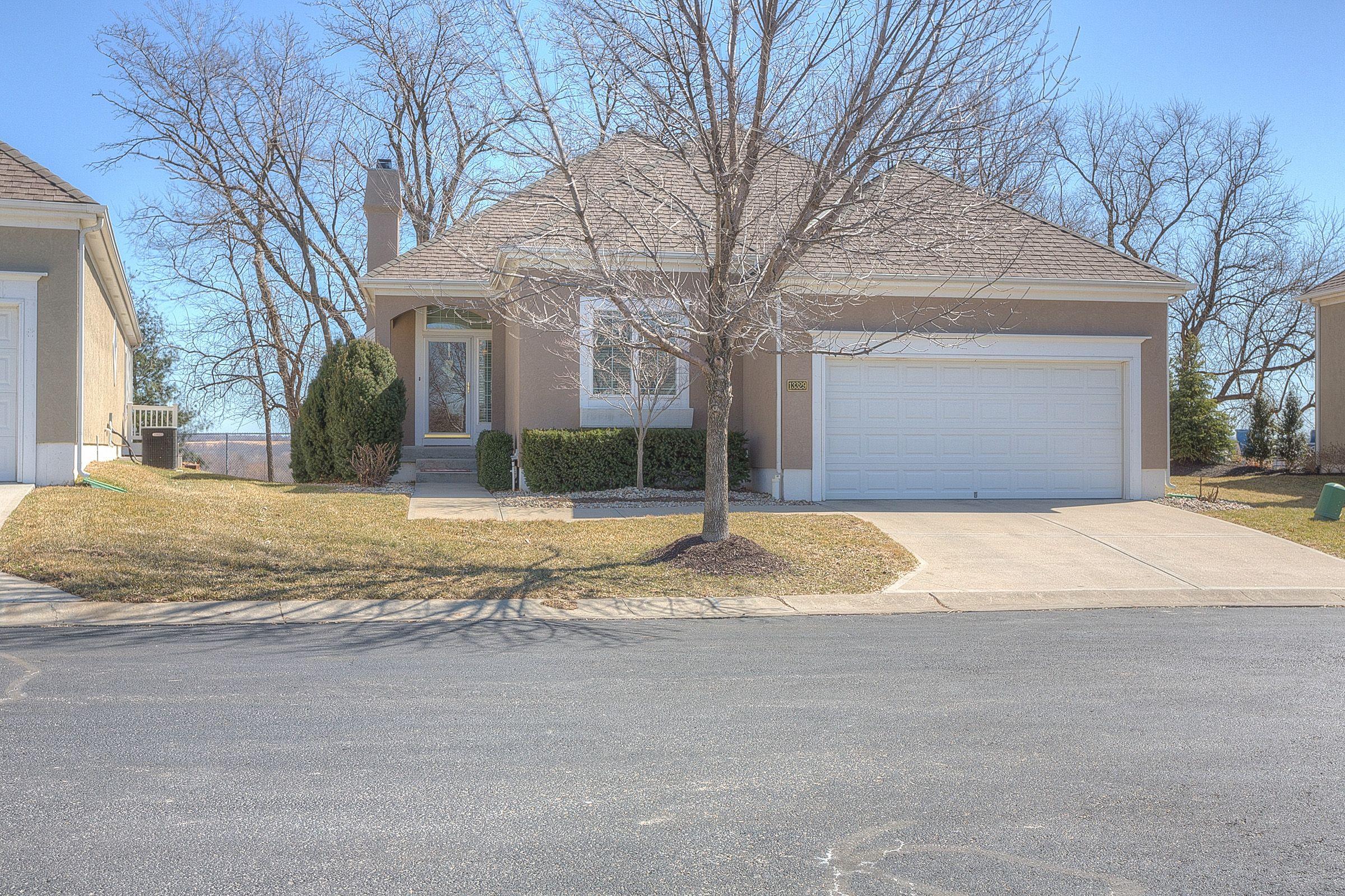Newcastle Kansas City Villa For Sale Maintenance Provided