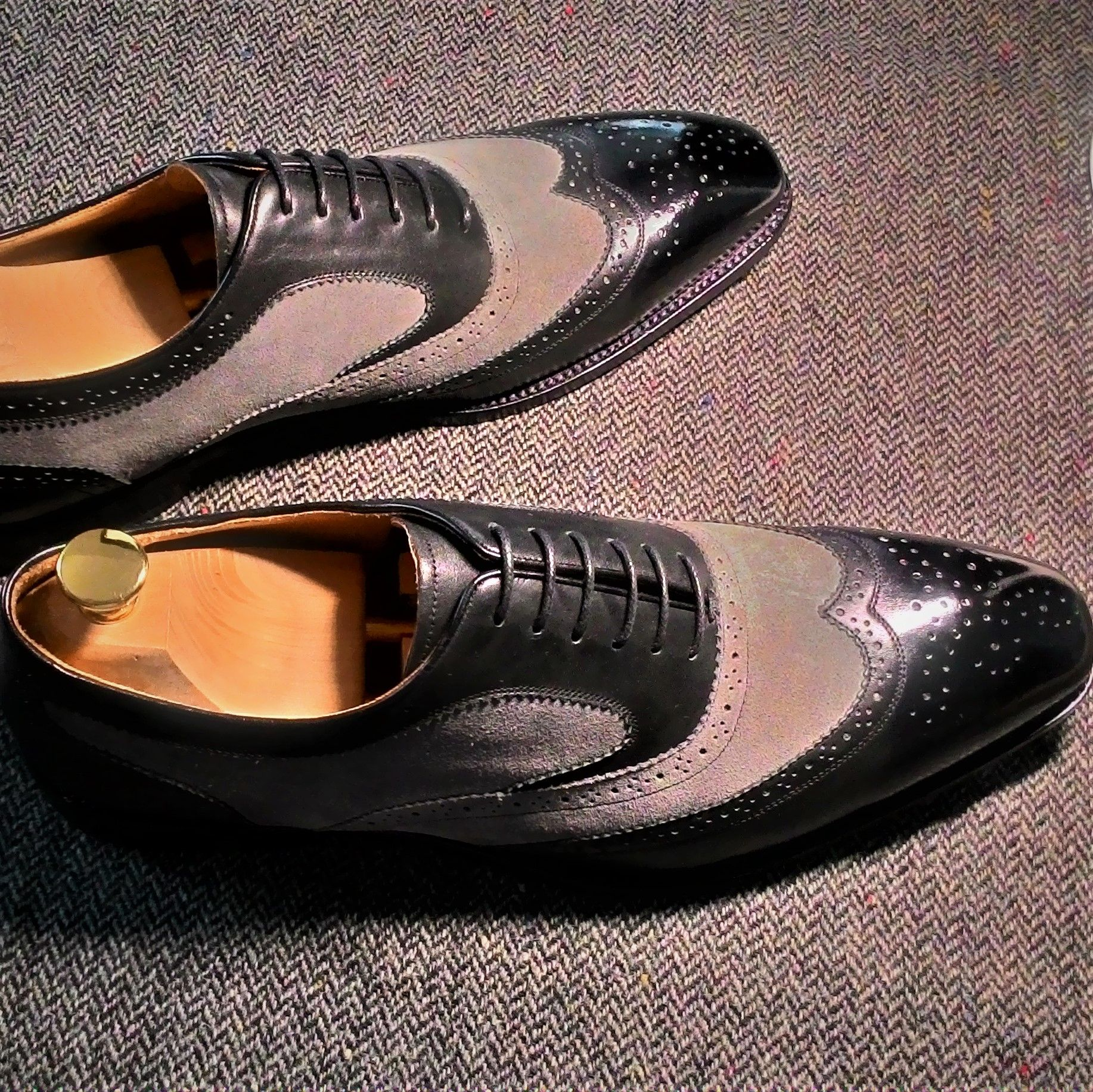 Two Tone Spectator Shoes Beautiful Pieces Of Footwear That Are Particularly Suited To Wear In Summer Spectator Shoes Classic Shoes Dress Shoes Men [ 1833 x 1834 Pixel ]