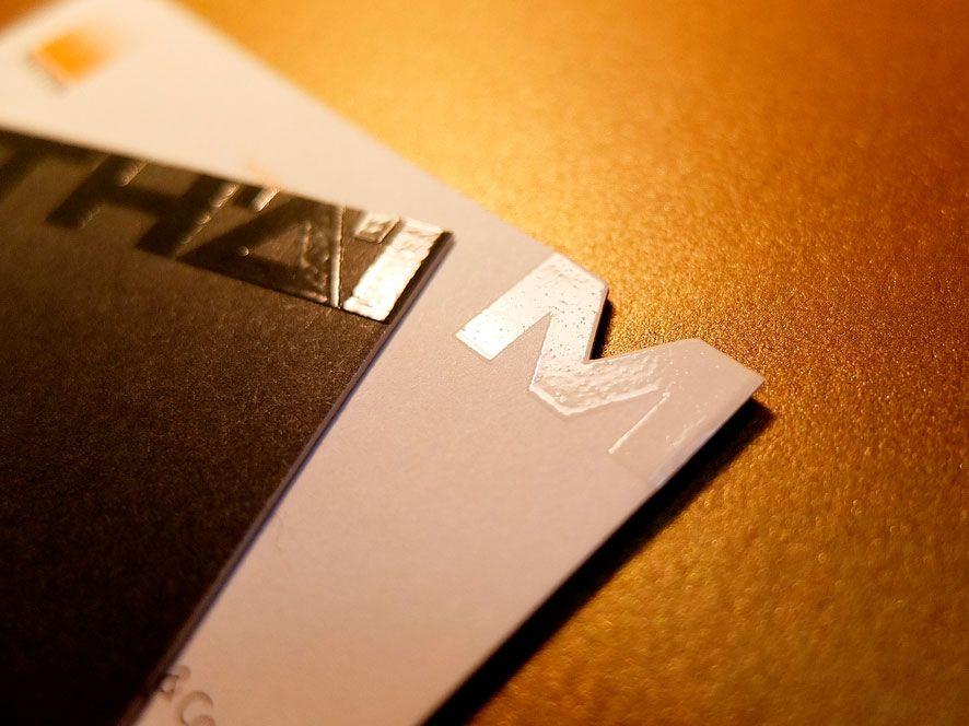 UV-Siebdrucklackierung (Relieflack)