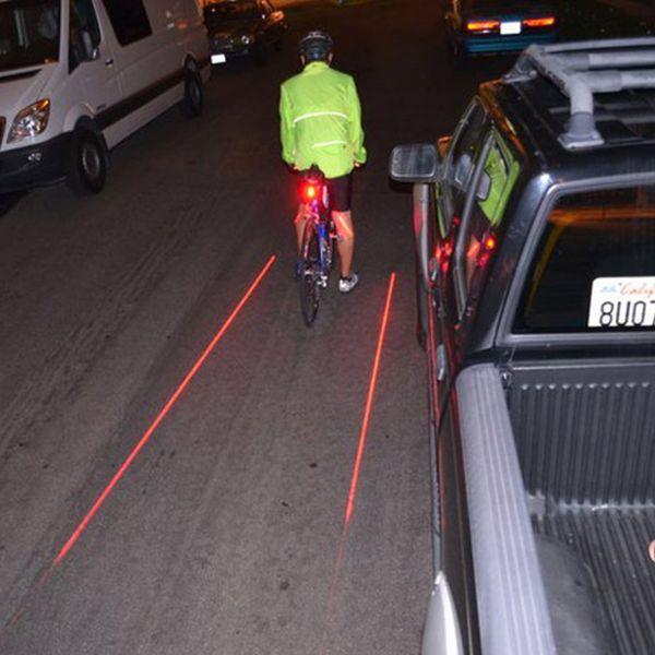 Varmasti hyvä, jos pitää pyöräillä autojen seassa. This innovative laser lighting system beams an on-demand bike lane that follows you. A safe distance between you and a vehicle is always marked.