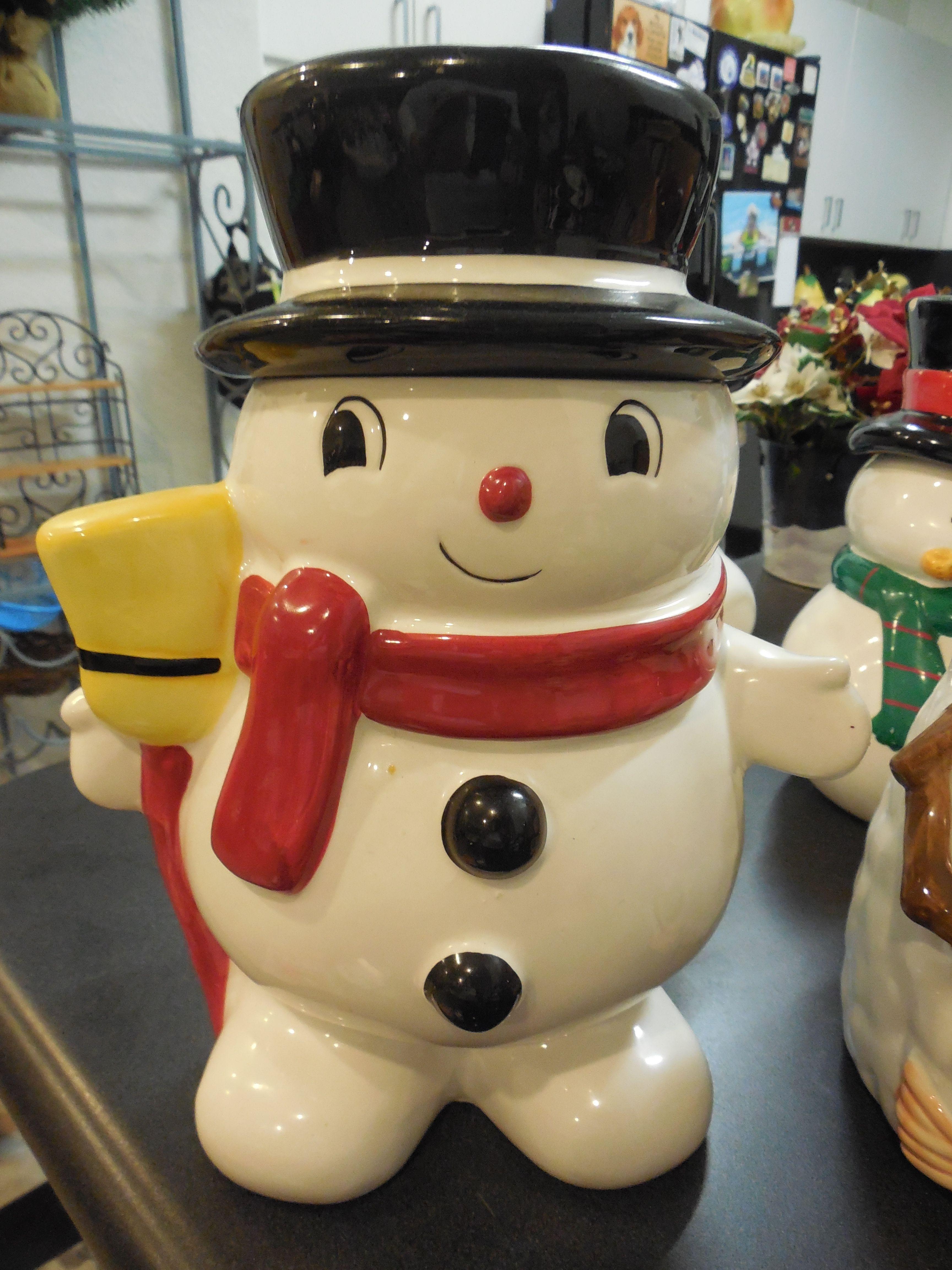 Ceramic Christmas Storage Jar Cookie Jar Biscuit Barrel Santa Snowman Cookie Jar