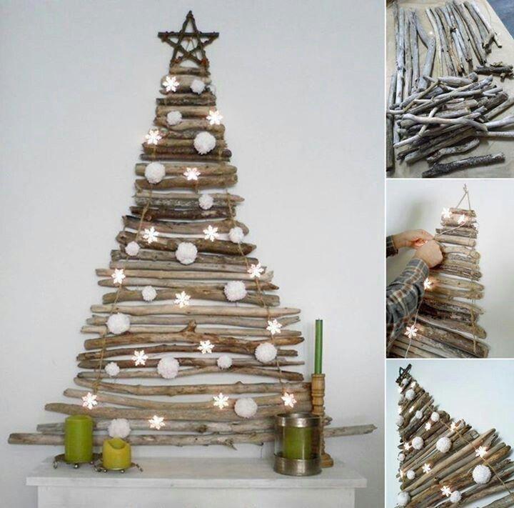 Rbol de navidad troncos luces y adornos decoraci n for Decoracion de navidad casera