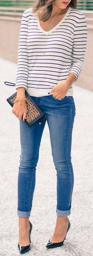 Striped Sweater + jeans + pumps