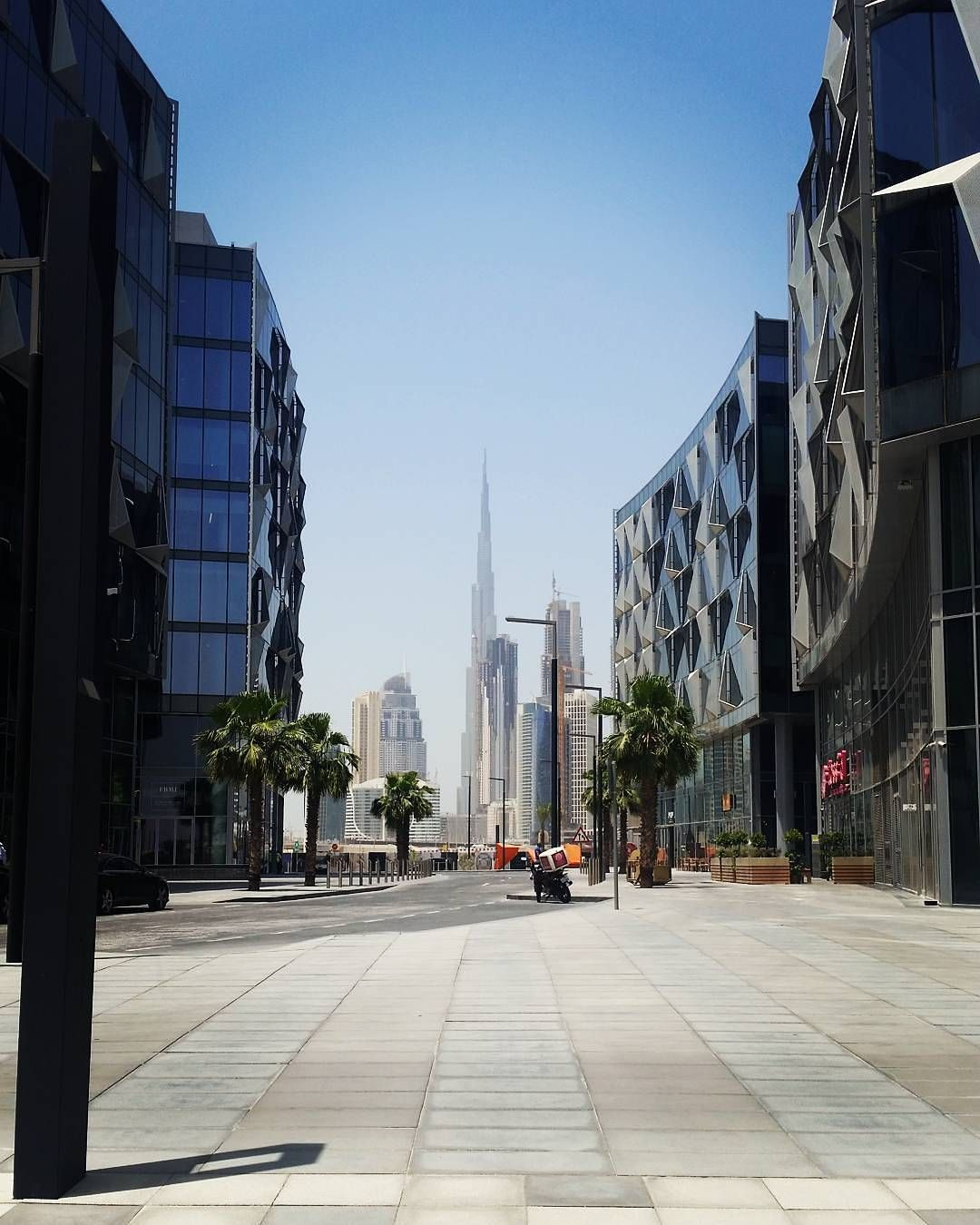 Dubai... the most vibrant city in Middle East! Bank of