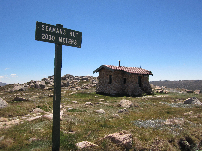 Seamans hut on the summit hike to mt kosciuszko drifter alley travel photos