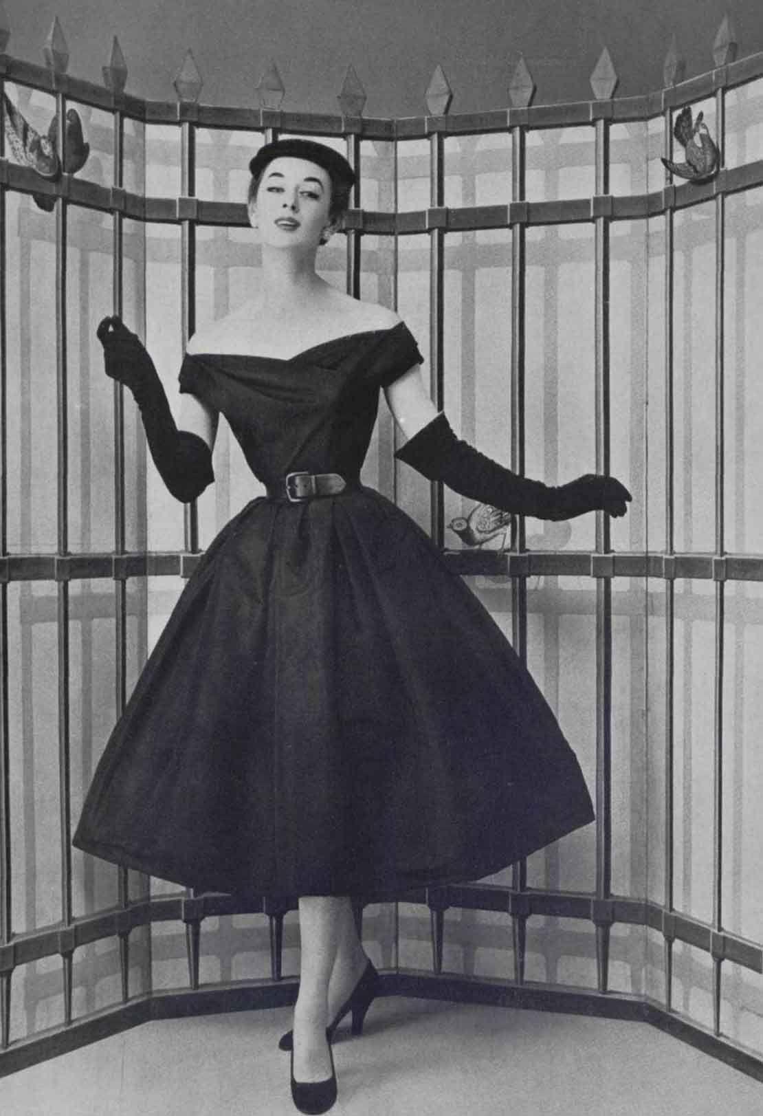 The Top Paris Designer Dresses of 1954 #vintagefashion1950s